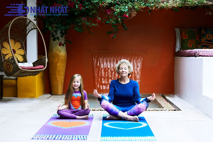 tap-yoga-ngan-ngua-thieu-mau-nao